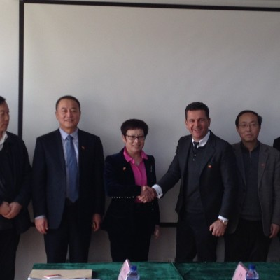 Consul Dr. Poetis meeting with Mrs. Peng Jingjie, County Magistrate Gaoyi, Hebei Province