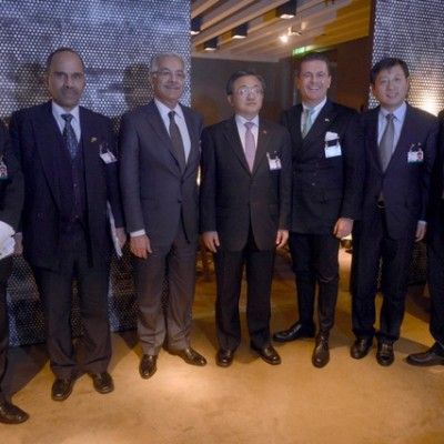 With Mister Liu Zhenmin, Vice-Minister of Foreign Affairs of China (fourth from left); (Photo: Schunk)