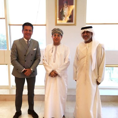 Consul Dr. Poetis, CEO, POWERGROUP with the CEO of the Public Establishment for Industrial Estates (PEIE) Mr. Hilal bin Hamad Al Hasani and Mr. Abbas Ibrahim Al Yousef. They discussed bilateral cooperation opportunities between Oman and Germany as well as the regional economic situation.